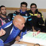 جشن تولد علیرضا منصوریان در کنار اعضای تیم استقلال در اردو