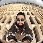 سلفی محسن افشانی با قبرستان را ببینید!