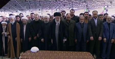 نتیجه تصویری برای نماز میت رهبری برای هاشمی