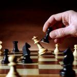 این منتقد و معاند حجاب ایرانی، مهمان ویژه شطرنج بازهای ایرانی!+مصاحبه