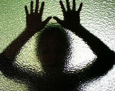 تعرض به پرستار منجر به بازداشت این خواننده شد