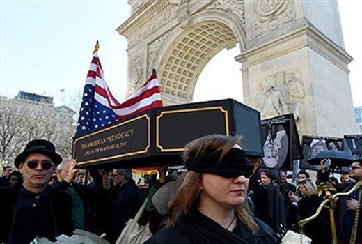 مراسم نمادین تشییع جنازه ترامپ در نیویورک