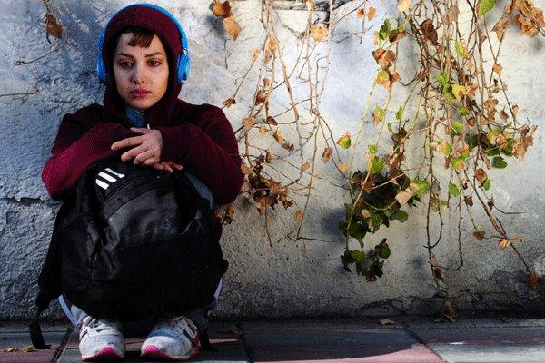 پوشش خاص خانم بازیگر در مراسم اکران فیلم هلن