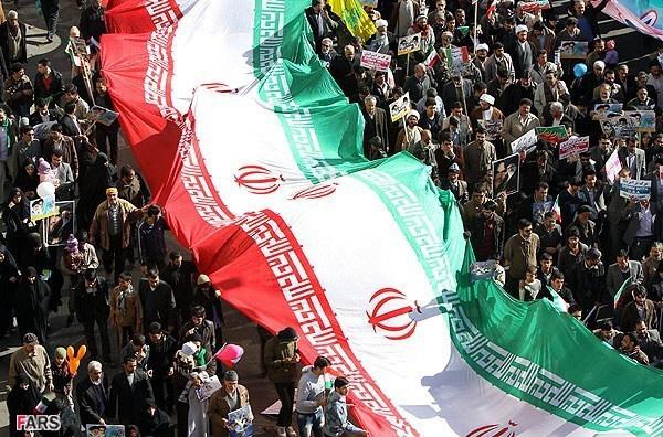 نتیجه تصویری برای عکس های حماسه حضور 22 بهمن