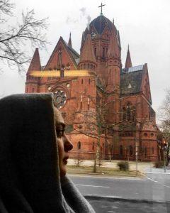 گردش نرگس محمدی در برلین آلمان