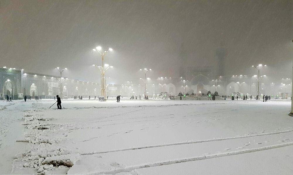 حرم امام رضا زیر بارش برف