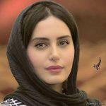 عکس دیده نشده خانم بازیگر مشهور با حاجی فیروز