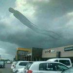 ظاهرشدن موجود عجیب و شبه انسان در آسمان زامبیا