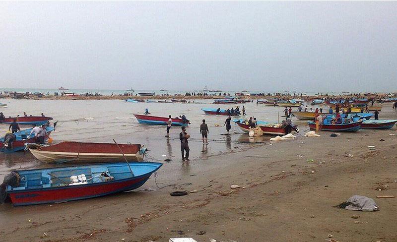 مصدومان طغیان آب سواحل دیر