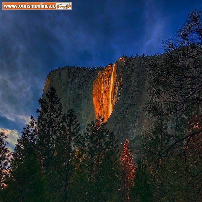 آبشار خیره کننده آتش