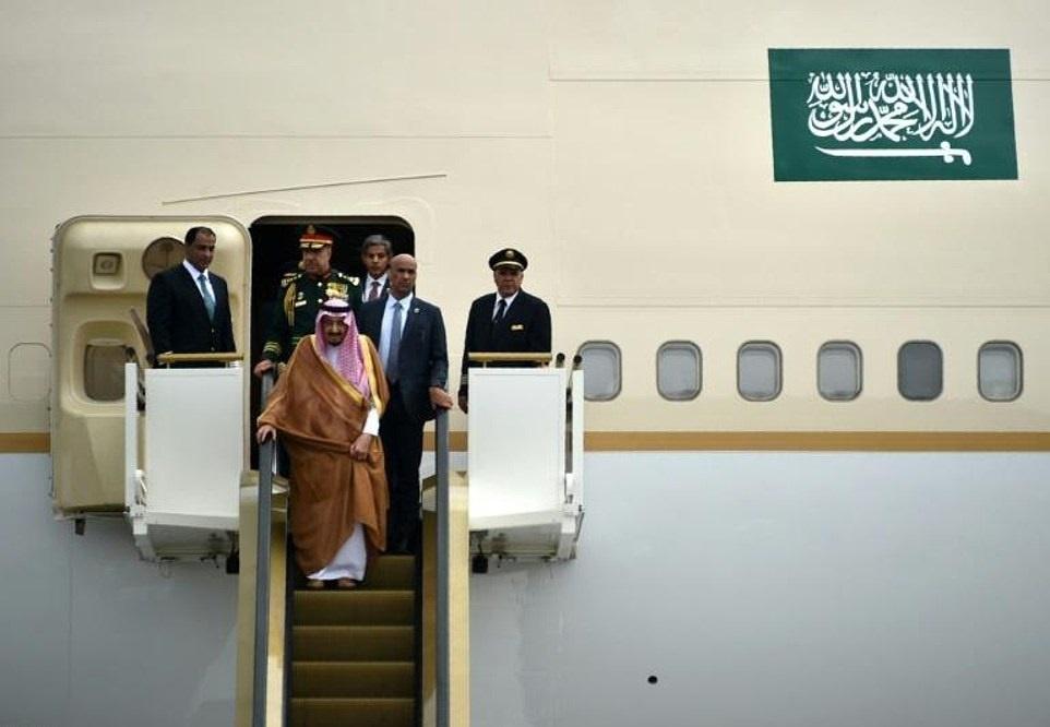پادشاه عربستان در هواپیما