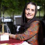 خانم بازیگر در بازار تهران