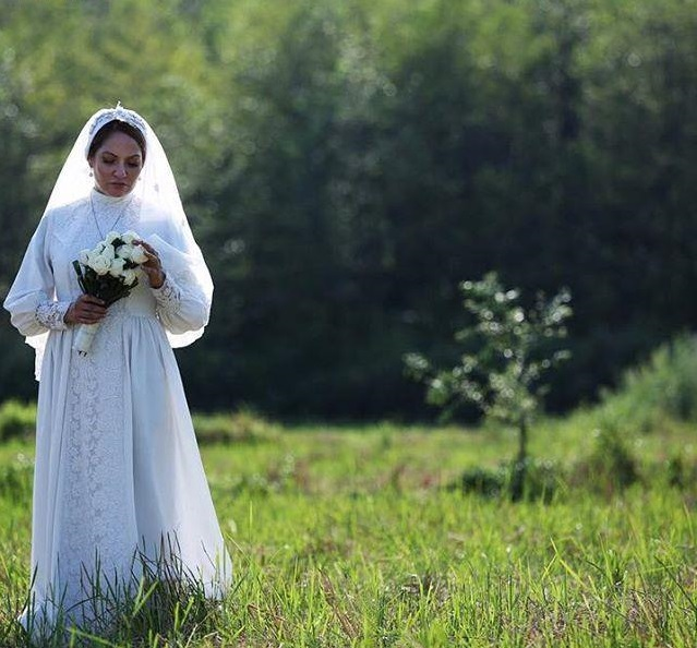 مهناز افشار با لباس عروس