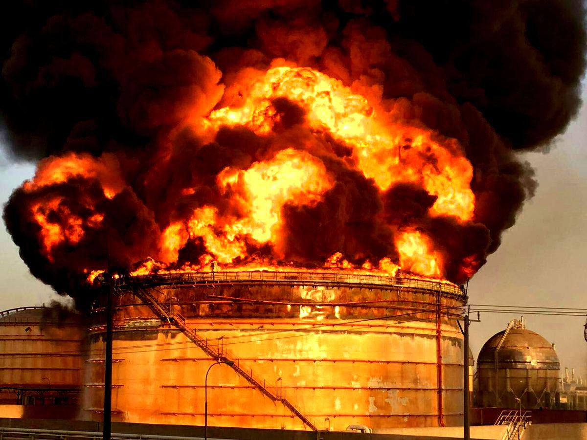 پتروشیمی رجال ماهشهر دچار آتشسوزی شد