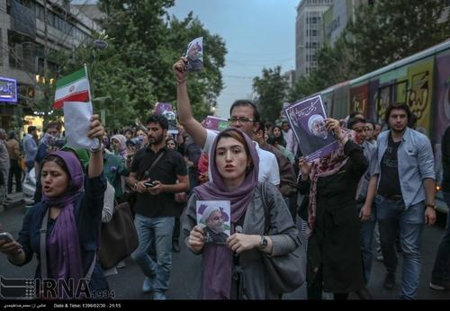جشن مردم برای پیروزی روحانی