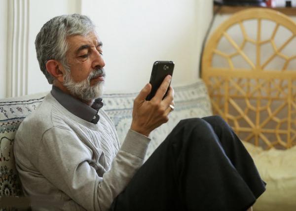 تلفن همراه چهره های سیاسی کشور چیست؟
