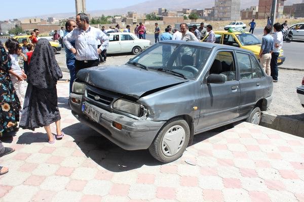 تصادف پیکان و موتور در اصفهان