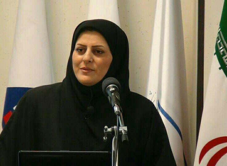 توبیخ ۴ نفر به دلیل خنده گوینده خبر در پخش زنده روز شهادت