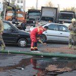 واژگونی کامیون حامل سنگ در تهران حادثه ساز شد