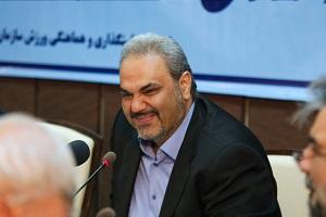 """جارو به دست شدن """"جواد خیابانی"""" در خیابانهای تبریز"""