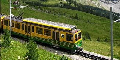 نخستین قطار بین شهری ایران در تبریز