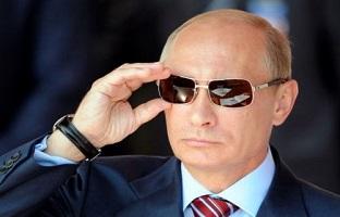 بوکسور معروف در آغوش رئیس جمهور ولادیمیر پوتین