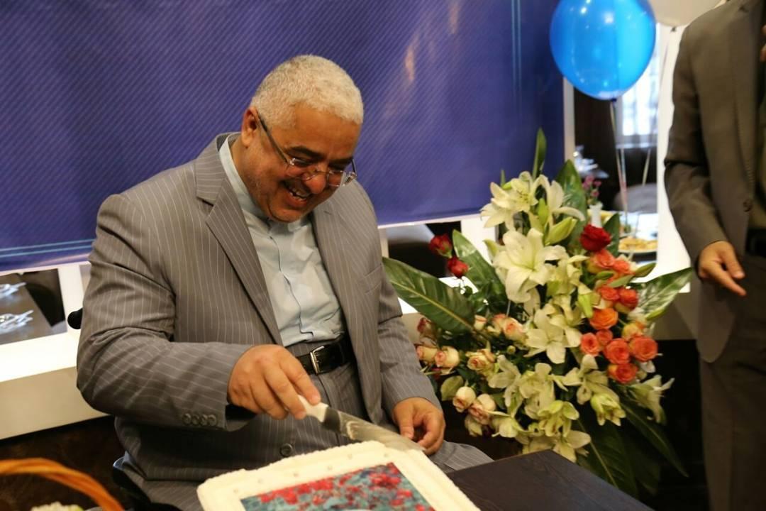 جشن تولد یک نماینده مجلس