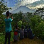 آتشفشان، هزاران اندونزیایی را آواره کرد