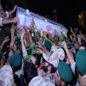 وداع پرشور مردم با پیکر شهید حججی