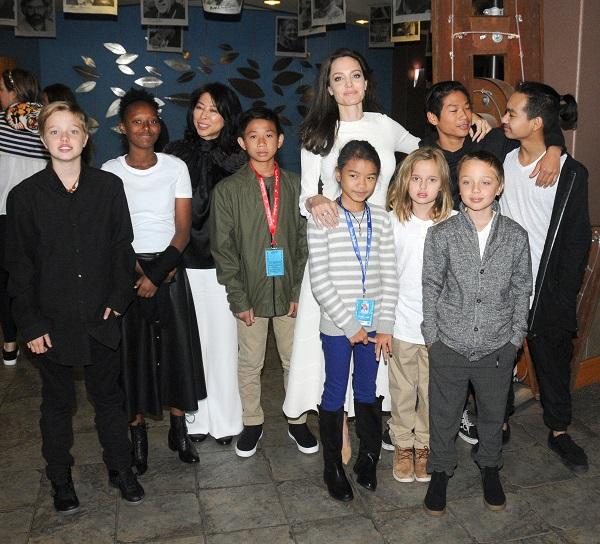 آنجلینا جولی و فرزندانش در جشنواره