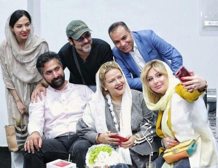 بهاره رهنما و همسرش در کنار بازیگران