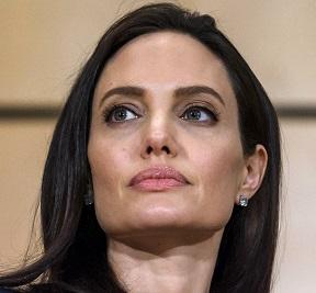 واکنش تند آنجلینا جولی به منتقدان فیلم جدیدش