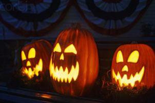 عشقی که هیولای هالووین را به پسری دوست داشتی تبدیل کرد