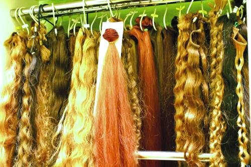 بازار خرید و فروش موی طبیعی زنان!