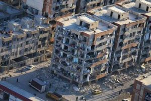 صحنههای تلخ زلزله اشک نیروهای امدادی را در آورد