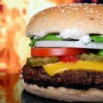 بیماری رنجآوری که خوردن «فست فود» آن را تشدید میکند