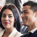 رونالدو با نامزد و خواهرش و مادرش در فرانسه!