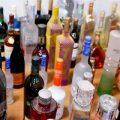 تجارت کثیف با بطری مشروبات سطلهای زباله