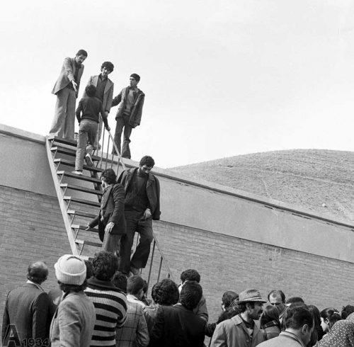 تصرف زندان اوین