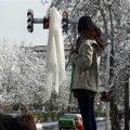 پُست کنایه آمیز زائری درباره دختران خیابان انقلاب