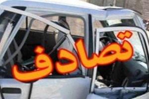 تصادف خودروی تیبا با تیر برق در بزرگراه حکیم