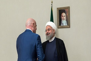 دیدار رئیس فیفا با روحانی در فرودگاه