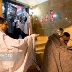 تصاویر جالبی از رسم دیرینه قاشقزنی در شهر تهران!