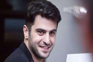 """""""علی ضیا"""" مجری پرحاشیه را در سالن بدنسازی با پوششی متفاوت ببینید"""