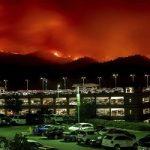 فرار مردم کالیفرنیا از گسترش آتش سوزی