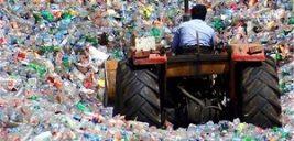 تصویری جالب از هتل ساخته شده از زباله ها