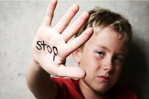 ماجرای اذیت و آزار جنسی پسر توسط مادر