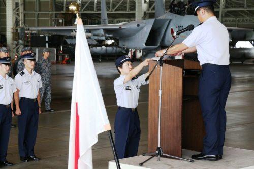 اولین خلبان زن جنگنده