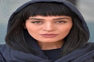 تیپ نامتعارف اندیشه فولادوند بازیگر ایرانی در یک مراسم