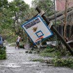 تغییر شکل ساختمان چینی بر اثر شدیدترین طوفان چین